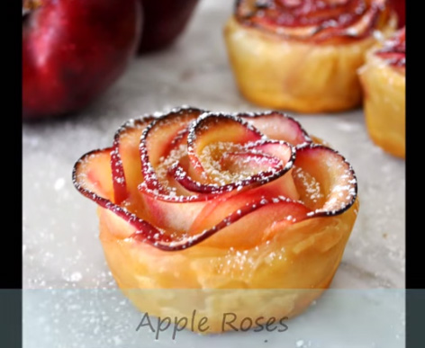 Rose-shaped pastry from Cooking with Manuela.